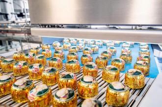 Reber خطوط بسته بندی جدیدی را برای شکلات های Mozart Kugeln خود اضافه می کند.