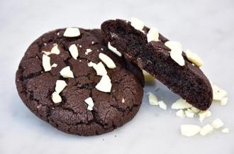 Puratos USA شکلات شیرین شده با فیبر ریشه کاسنی را معرفی می کند.